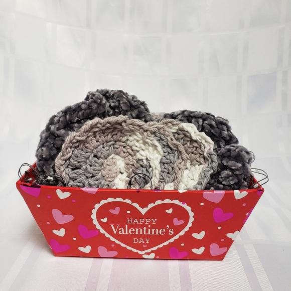 Valentine Gift Set | Face Scrubby, Scrunchies Clo…